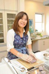 作ってワクワク、切ってドキドキ、食べてニコニコ、飾り巻き寿司は皆さんを笑顔にします。