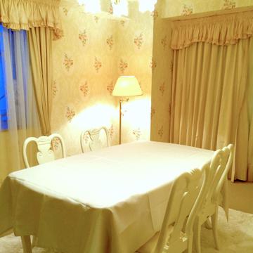 121841_roseroom