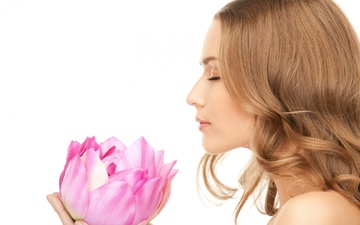 143908_lotus_girl_aroma_eyes_closed_white_background_76447_1920x1200
