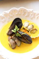 144776_あさりとムール貝のスープ