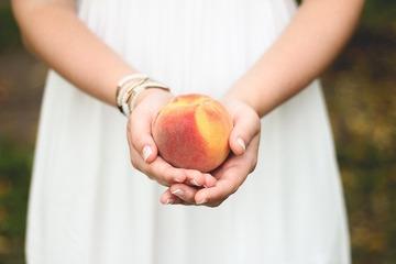 157522_peach-698592_1280