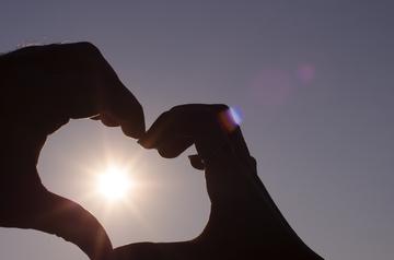 160113_heart_hands