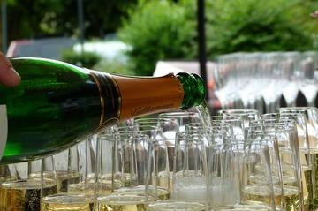164934_champagne-215645_1280