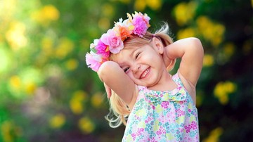 292828_cute-small-girl-smile-wallpaper-1920x1080